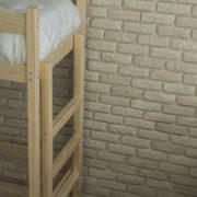 Кровать чердак с диваном из дерева фото-3