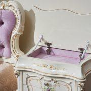 Набор мебели для спальни «Шанель» крыжка тумбы